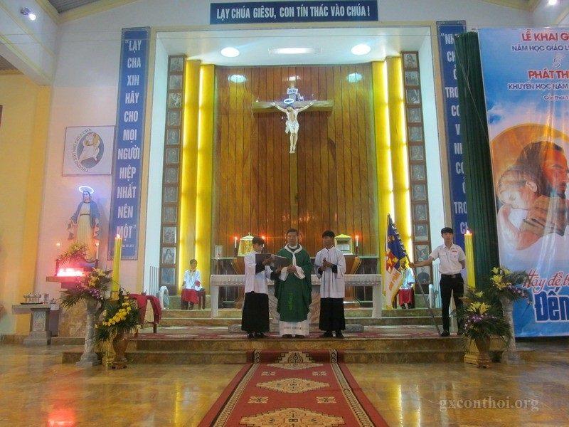 Phông sân khấu lễ khai giảng giáo lý