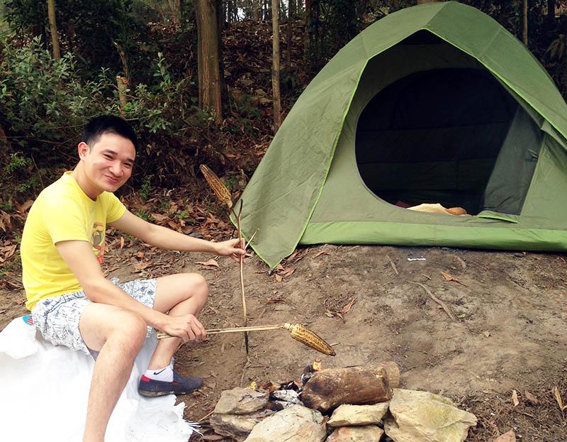 cắm trại đêm tại Hồ Hàm Lợn