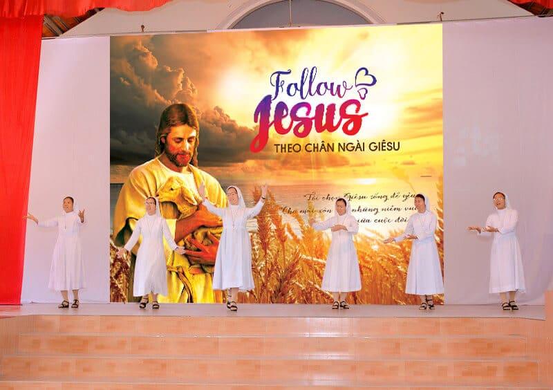 Phông sân khấu Lễ cầu nguyện cho Ơn Gọi