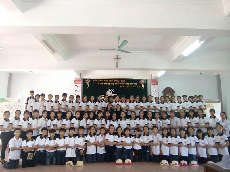 Đồng phục Công giáo - Tu sinh Mến Thánh Giá Phát Diệm 4