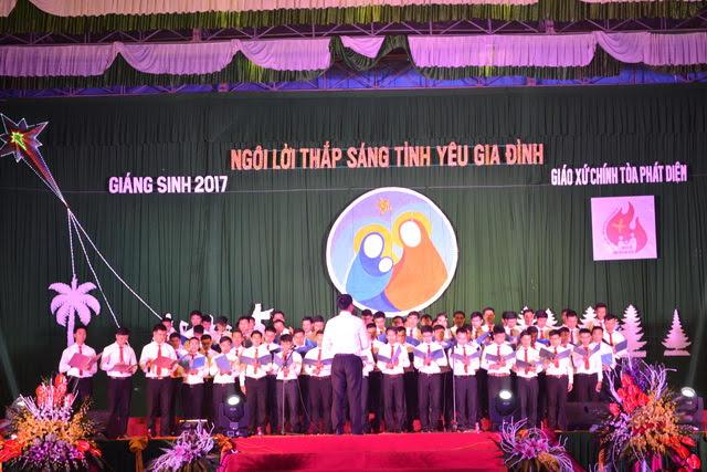 Phông sân khấu Giáng Sinh - Giáo xứ Chính tòa Phát Diệm