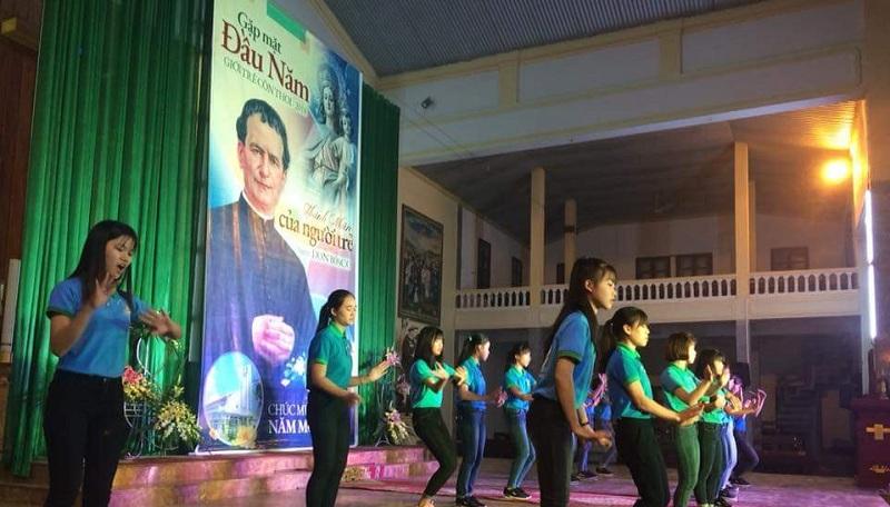 Giuseart.com - Phông sân khấu Quan thầy Don Bosco 2