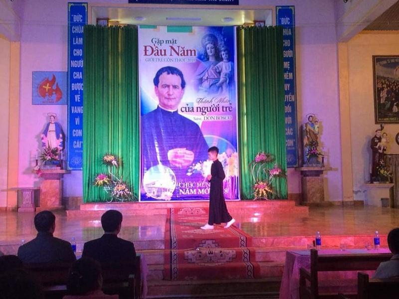 Giuseart.com - Phông sân khấu Quan thầy Don Bosco 3